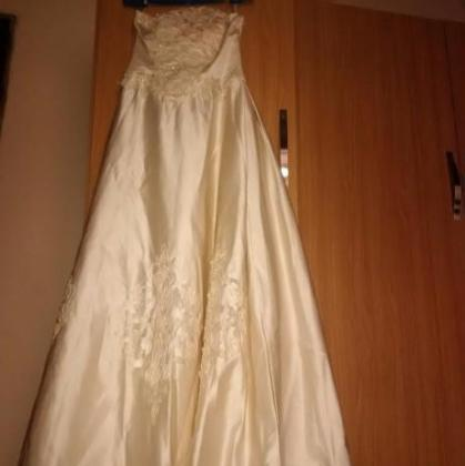 Gorgeous Wedding gown from Dubai UAE