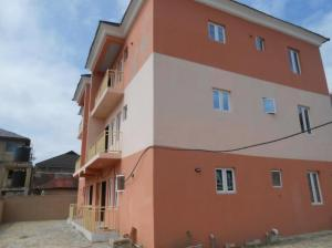 Lovely 2 Bedroom Flat in Lekki For Rent