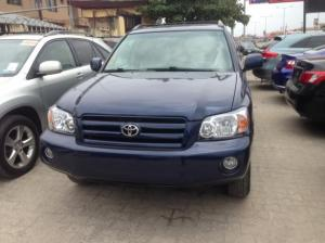 Toyota Clean title with 3row seater