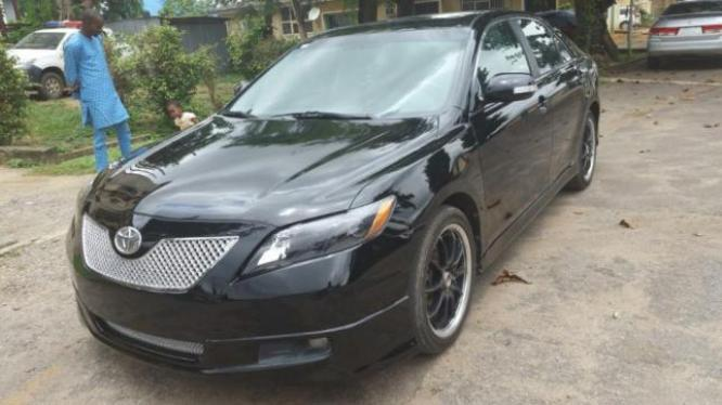 Super Clean Toyota Camry SE 2008 with DVD/Nav/Rev Cam
