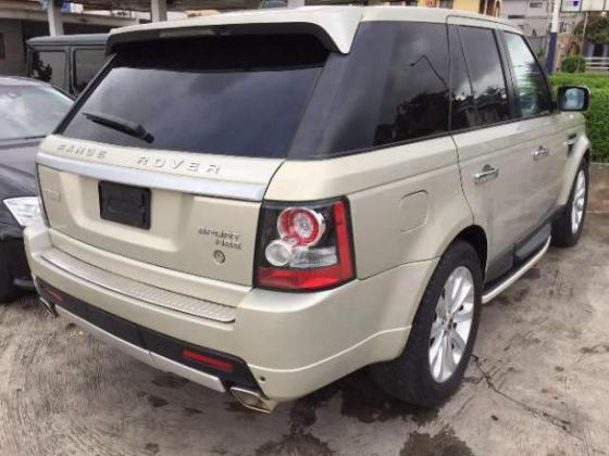 Tokunbo Land Rover Range Rover Sport 2007 upgraded to 2011