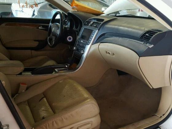 Neatly Used Acura white  Year,2005