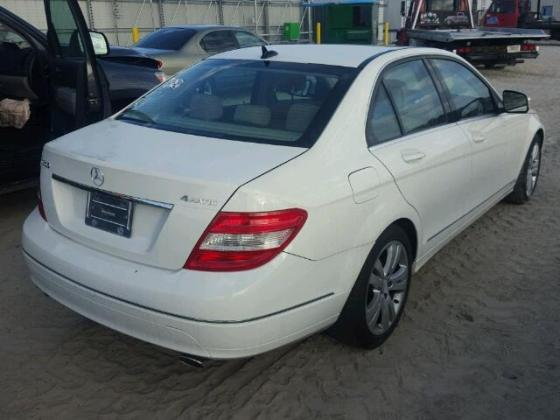 CLEAN MERCEDES C300 FOR SALE CALL MR FELIX ON 08067816891