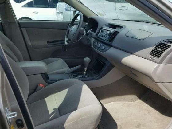 2005 Toyota Camry for sale on auction