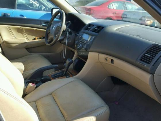 CLEAN 2004 HONDA ACCORD FOR SALE AT AUCTION CALL MR FELIX MARCUS ON 08067816891