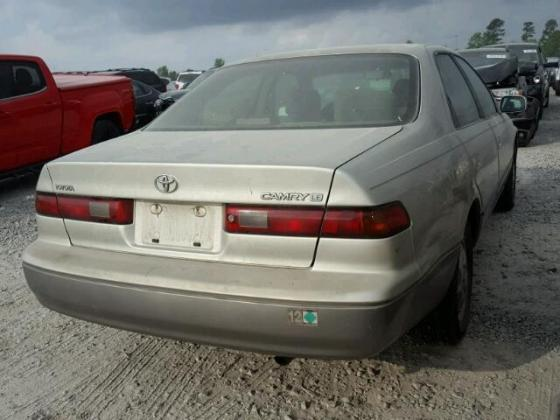 1999 TOYOTA CAMRY LE
