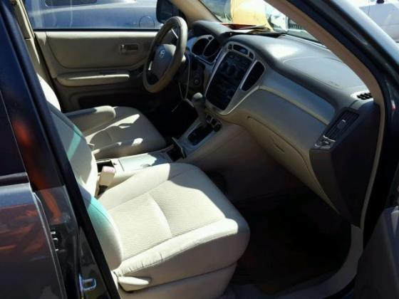 2004 TOYOTA HIGHLANDER FOR SALE AT AUCTION PRICE CALL 08067816891