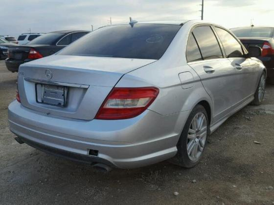 WELL CLEAN NIGERIA IMPOUNDED 2009 MERCEDESE-BENZ C300 FOR SALE CALL MR AZA ON 09031964927
