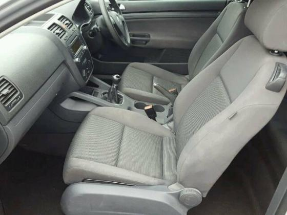 VERY GOOD SOUND 2003 VOLKSWAGEN GOLF FOR SALE CALL MR VICTOR ON 09031964927