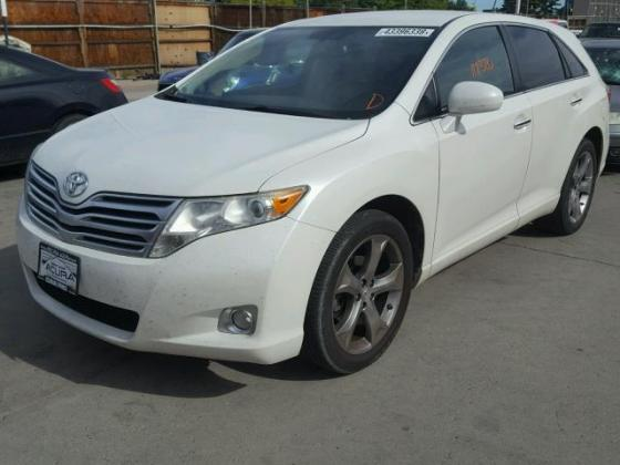 2010 VERY CLEAN AND NEAT TOYOTA VENZA FOR SALE CALL MR AZA THOMAS VICTOR  ON +2349031964927