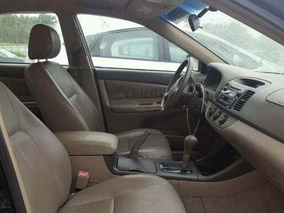 VERY GOOD SOUND 2004 TOYOTA CAMRY FOR SALE CALL MR AZA THOMAS ON +2349031964927