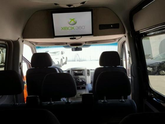 VERY GOOD SOUND 2013 MERCEDESE-BENZ SPRINTER  FOR SALE CALL MR AZA THOMAS ON  +2349031964927