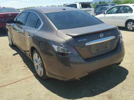 VERY GOOD SOUND 2012 NISSAN MAXIMA FOR SALE CALL MR AZA THOMAS ON +2349031964927