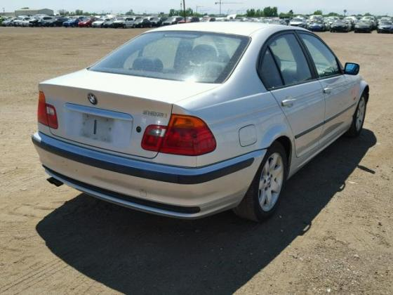 VERY GOOD SOUND 2001 BMW-325  FOR SALE CALL MR AZA THOMAS ON +2349031964927