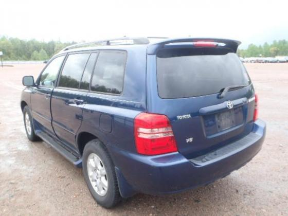 CLEAN 2002 TOYOTA HIGHLANDER FOR AUCTION. CALL COMPT. (MRS.) ADEYEMI PATRICIA ON 07064325624
