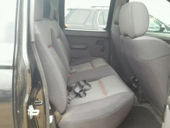 CLEAN 2003 NISSAN FRONTIER CREW FOR SALE CALL MR AZA ON +2349031964927