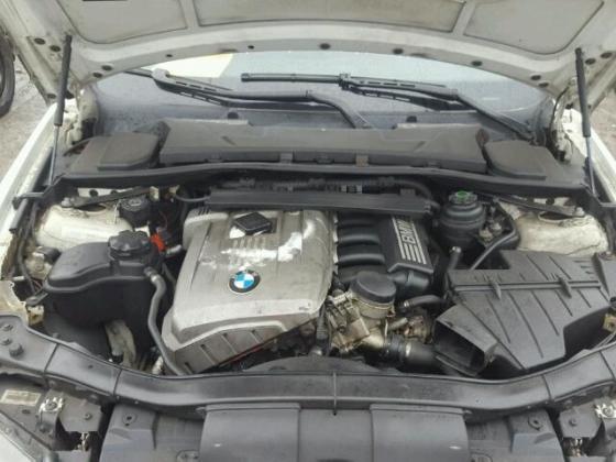VERY GOOD SOUND 2006 BMW-323  FOR SALE CALL MR AZA THOMAS ON +2349031964927