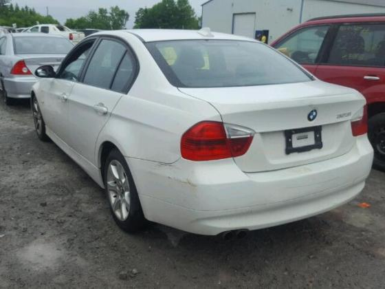 VERY GOOD SOUND 2006 BMW-323  FOR SALE CALL MR AZA THOMAS ON +2349031964927