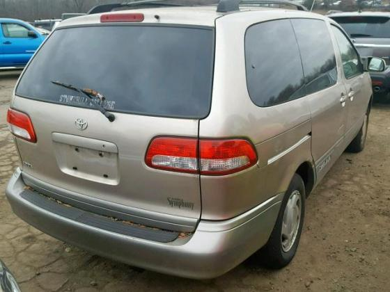 NEAT 2001 TOYOTA SIENNA  FOR SALE CALL MR AZA ON 090319649627