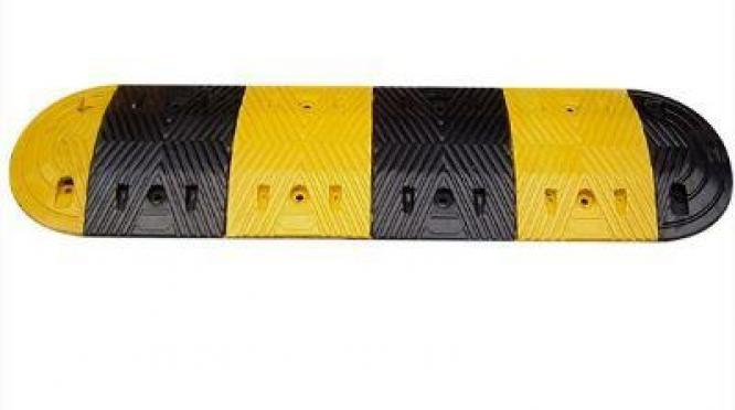 Safety Rubber Speed Bump By HIPHEN SOLUTIONS SERVICES LTD.