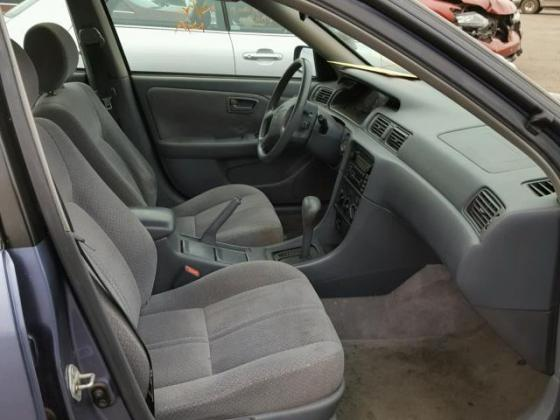 VERY GOOD SOUND 2001 TOYOTA CAMRY FOR SALE CALL MR AZA THOMAS ON 09031964927