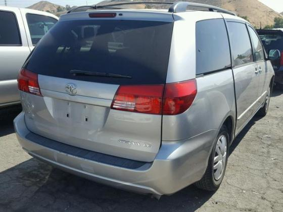 2005 TOYOTA SIENNA FOR SALE AT AUCTION PRICE CALL 08067816891