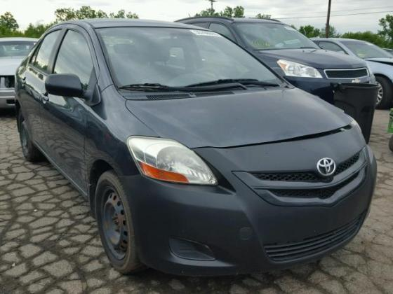 Clean toyota yaris for sales