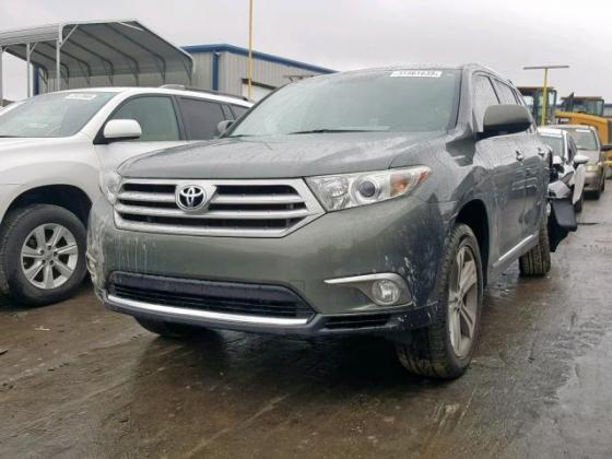 2013 TOYOTA HIGHLANDER LIMITED FIRST GRADE WITH GOOD INTERIOR CONTACT SELLER 07089208062