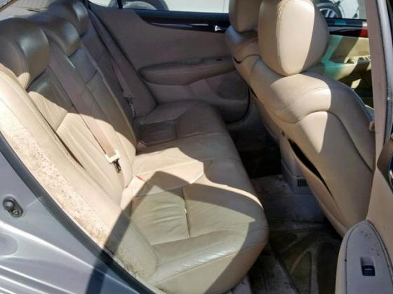Clean sparkling Lexus es 300 with good leather interior contact seller 07089208062