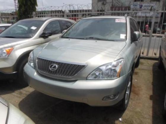 VERY CLEAN 2004 LEXUS RX330 FOR SALE CALL ON MISS CHIOMA 08103756362