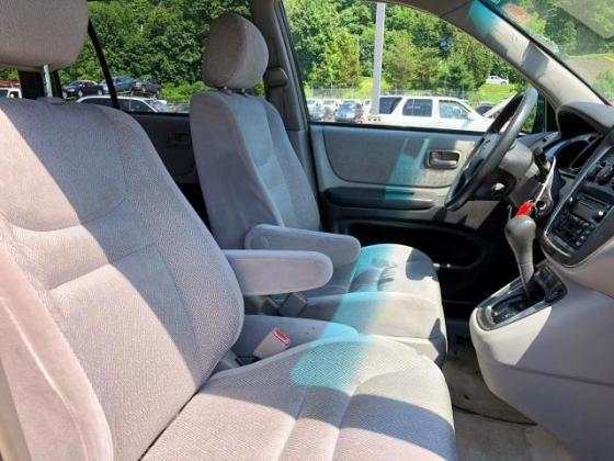 Super clean Toyota Highlander