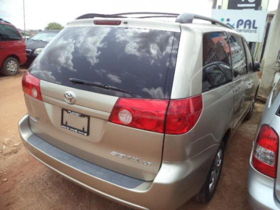 Toyota Sienna for sale at auction price