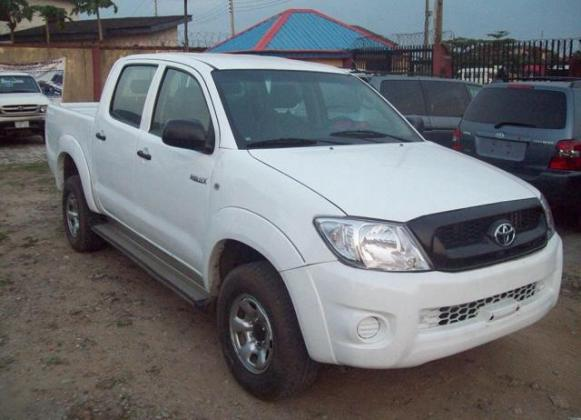 Clean Toyota Hilux for sale