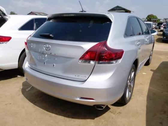 Foreign used toyota venza 2014 model