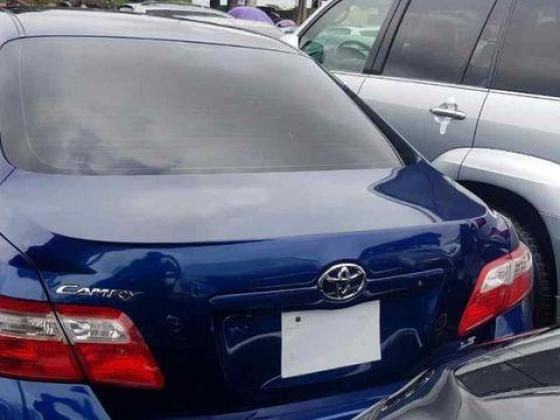 Well maintained foreign used toyota camry 2008 model blue