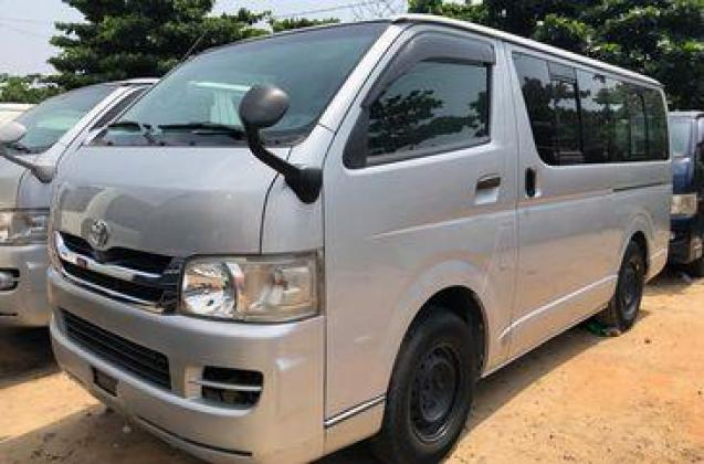 toyota haice bus 2008 model