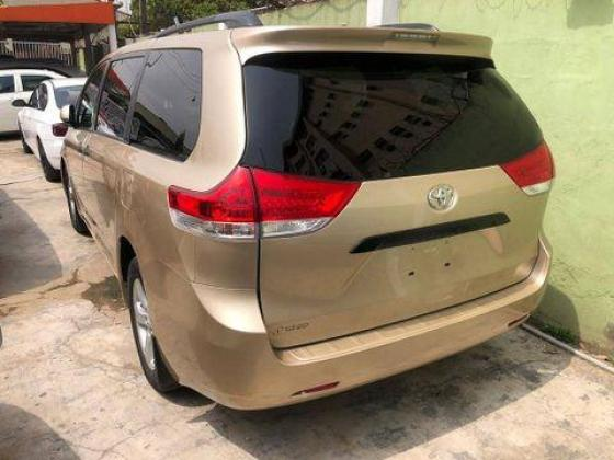 Direct Tokunbo Foreign Used Toyota Sienna 2012 Model