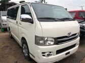 Super clean Toyota Hiace bus for sale coming with the complete document