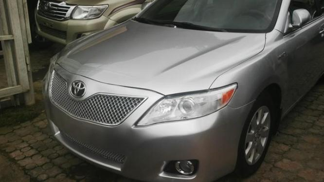 CLEAN TOYOTA CAMRY AVAILABLE FOR SALE