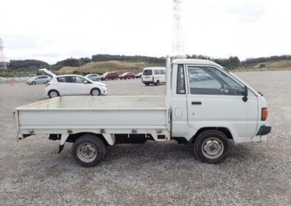 1995  TOYOTA DYNA FOR SALE CALL:07045512391