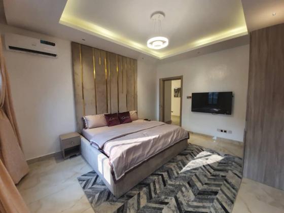 Luxury duplex for shortlet ain Lekki ajah axis