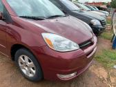 Clean and neat Toyota Sienna 2007 model for sale
